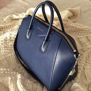 4c9e2ef013 Givenchy Bags - Givenchy Navy Medium Sugar Antigona Bag